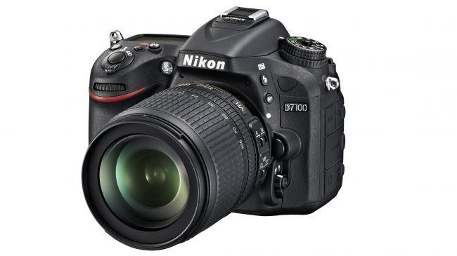Nikon_D7100_18_105_front34l-650-80